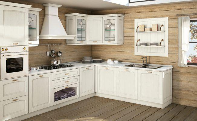 MALIN - klasická vidiecka kuchyňa od spoločnosti CREO s masícnymi na bielo morenými dvierkami