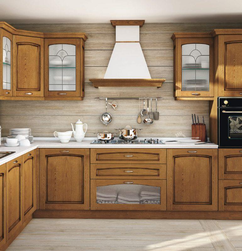 MALIN - klasická vidiecka kuchyňa od spoločnosti CREO s masícnymi gaštanovými dvierkami