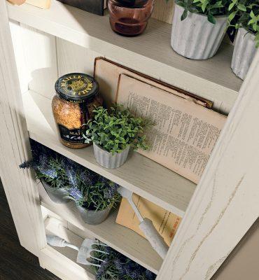klasická vidiecka kuchyňa LAURA dvierka vo farbe Pickeled White