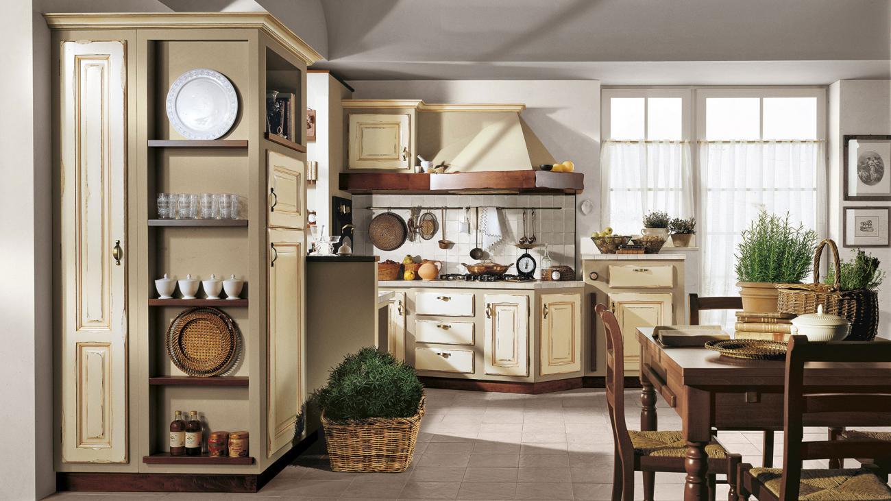 vintage kuchyňa ONELIA s masívnymi dvierka s nádychom talianska